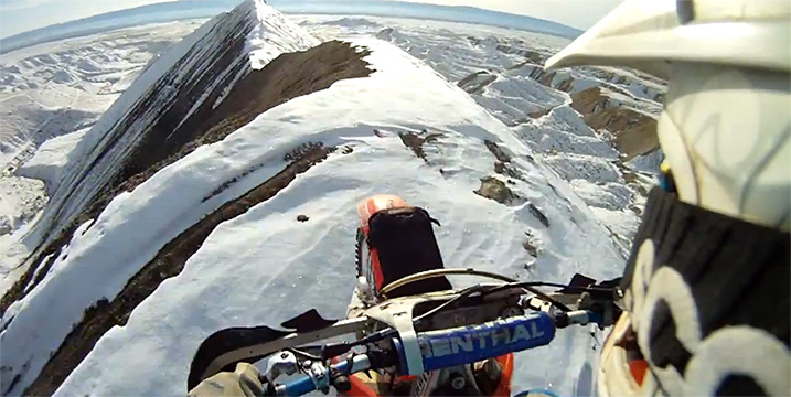motorbike-driving-mountain