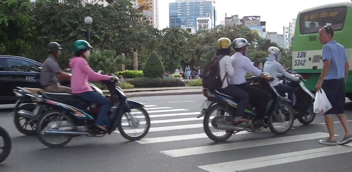 vietnam-zebrastreifen